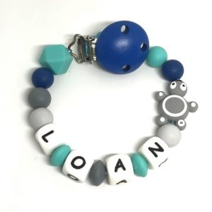 accroche tetine grise turquoise tortue prenom loan