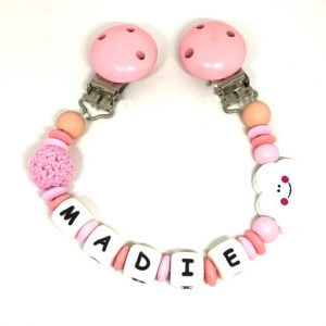 accroche doudou rose nuage saumon Madie personnalisee