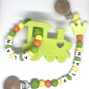 11accroche doudou couronne hochet de dentition orange train vert prenom
